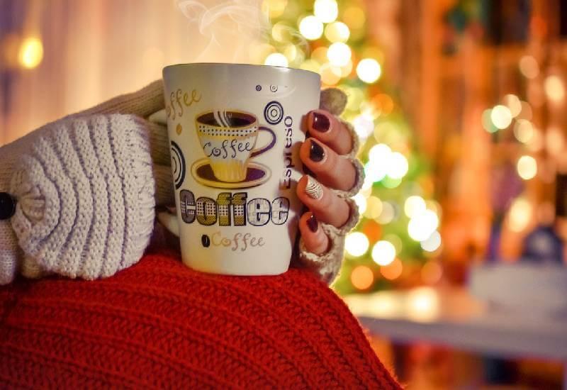 Ciepła kawa na zimny wieczór