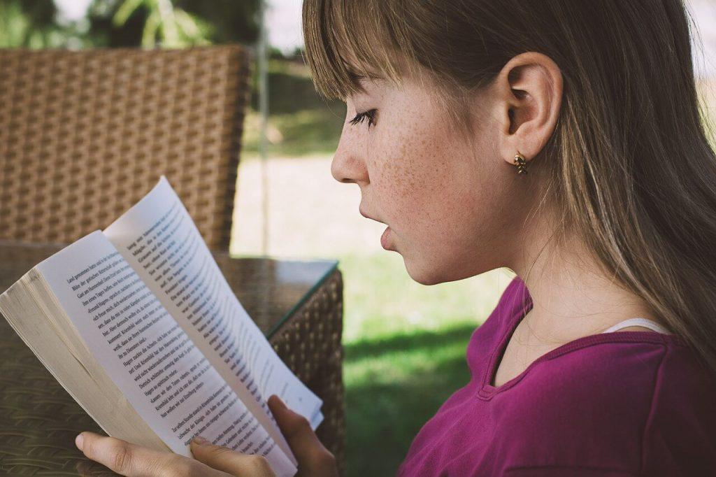 Czytanie książek w wolnej chwili
