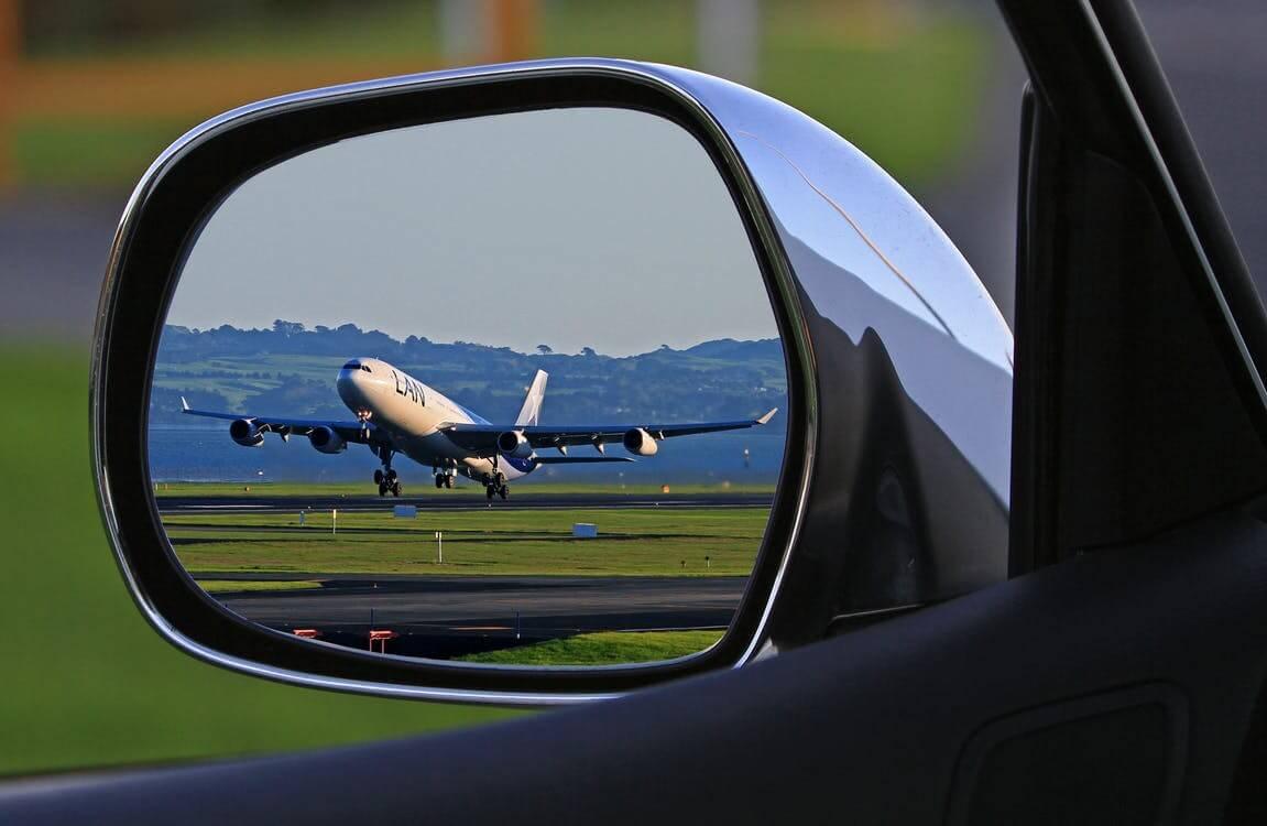 Podróż samolotem vs samochodem