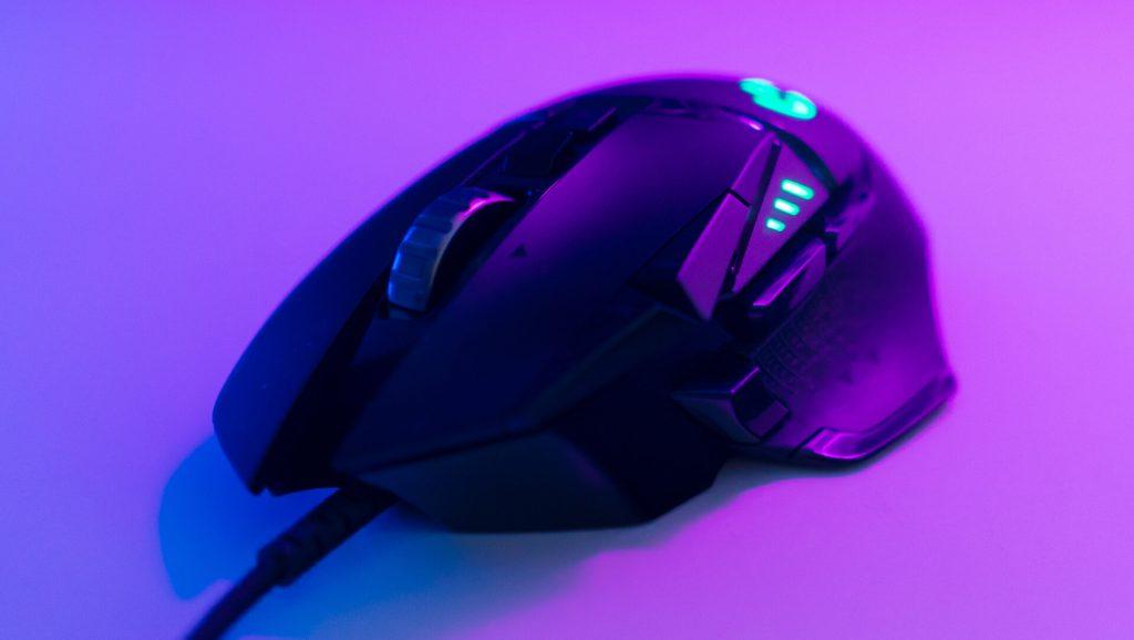 Mysz Przewodowa dla profesjonalnych graczy z diodami RGB