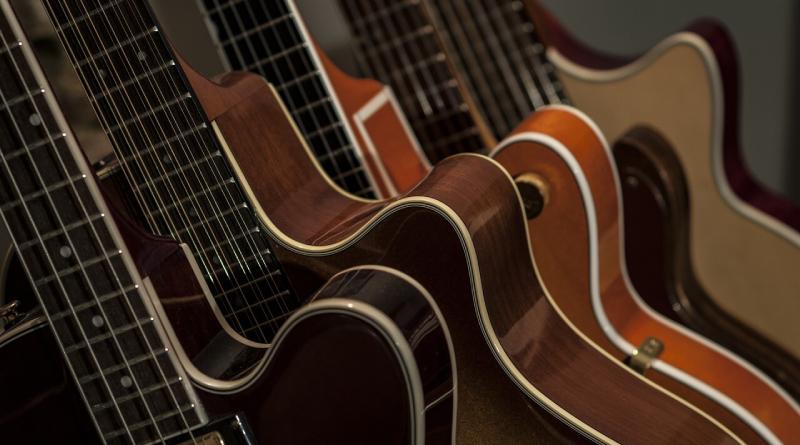 Różne typy gitar dla początkującego gitarzysty
