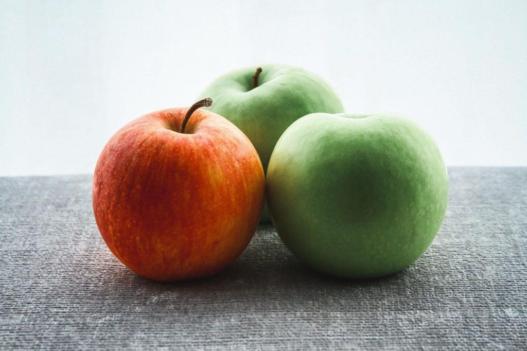 świeże jabłka na śniadanie