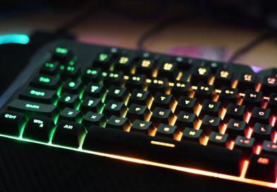 Jaka klawiatura do gier? Porównanie klawiatury membranowej i mechanicznej.